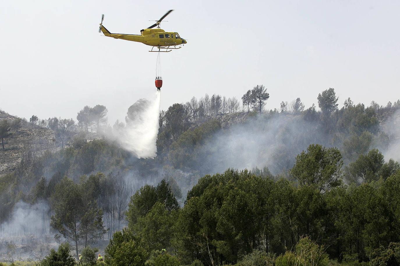 El Consell ahorra 5 millones en los aviones para la extinción de incendios