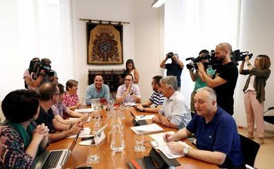Los socialistas se disponen a gobernar navarra con la abstención de EH Bildu