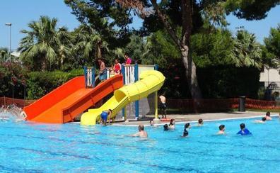 Desalojan la piscina de Massanassa cuatro veces en una semana tras defecar usuarios