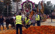 Los artistas falleros cargan contra Fuset por los retrasos de las carrozas