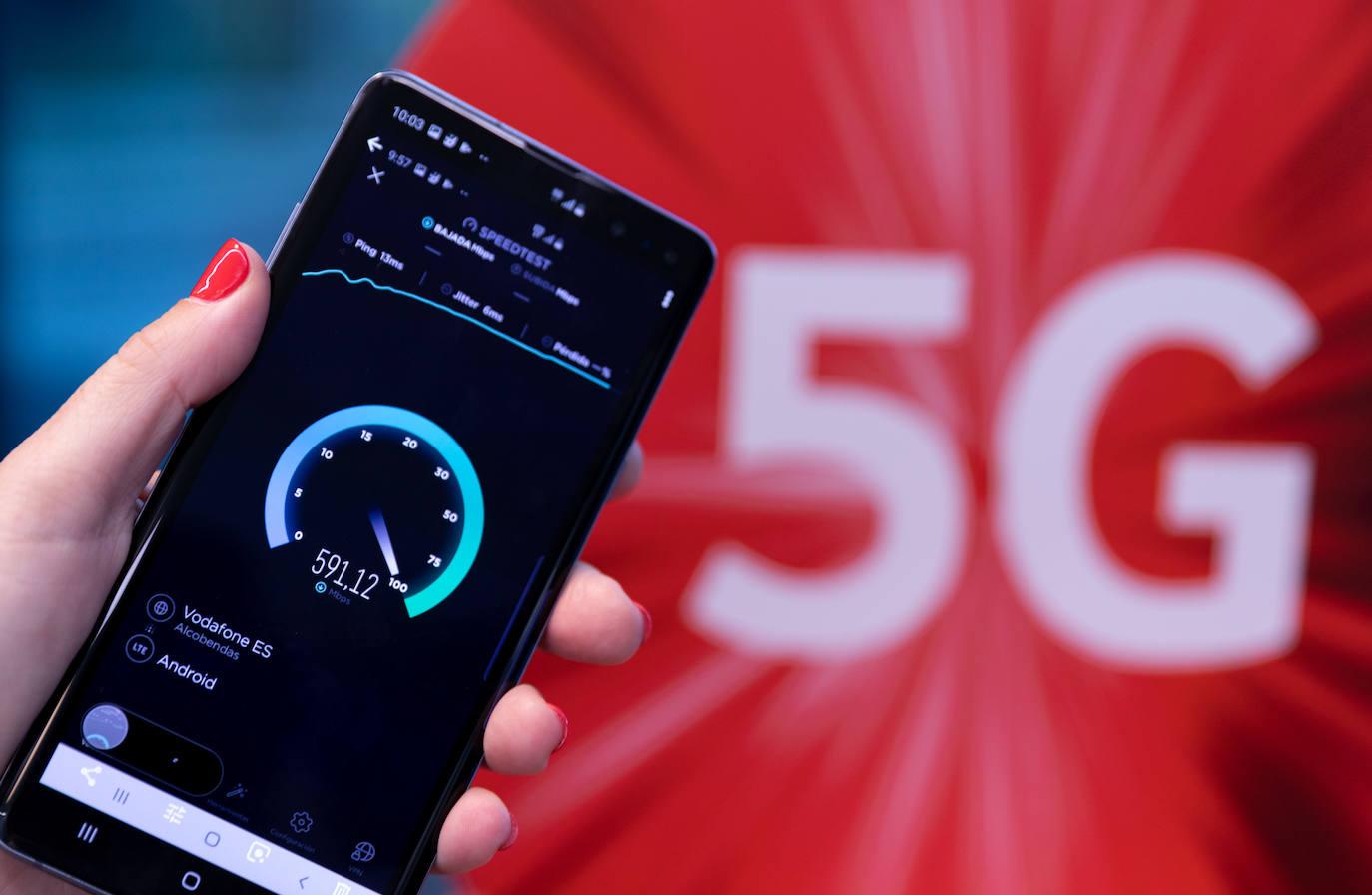 Del nacimiento del móvil al 5G, dos décadas de revolución digital