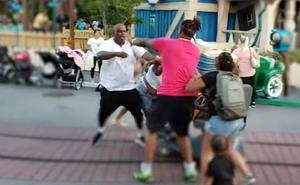 Se vuelve viral una pelea familiar en la Disneylandia de California