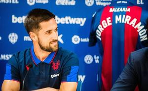 Miramón: «El Levante es un club parecido a mí y puedo crecer con él»