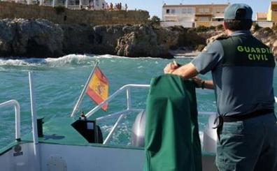 Fallece un joven de 18 años tras saltar al agua desde una cala de la isla de Tabarca