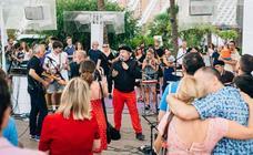 La terraza de l'Umbracle se llena de invitados y música