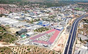 Más de 7.000 coches congestionan en hora y media los accesos al Parc Tecnològic de Paterna cada día