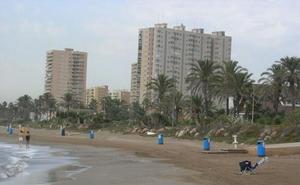 Cierran al baño la playa de La Pobla de Farnals mientras El Puig y Massamagrell están a la espera de la reapertura