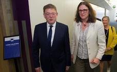 Puig propone en Bruselas una conferencia para defender del acoso al sector citrícola