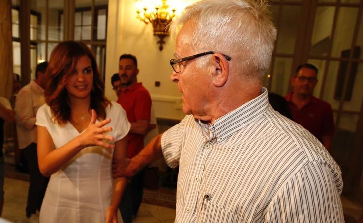 Pacto de gobierno entre Compromís y PSPV en el Ayuntamiento de Valencia