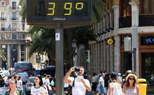 Sanidad declara la alerta por calor máximo en 10 comarcas valencianas