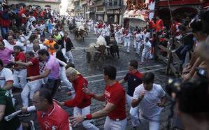 Los Núñez del Cuvillo dejan un corneado en el encierro más emocionante y peligroso de San Fermín