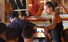 La capitana del Sea Watch pide silenciar a Salvini en las redes