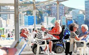 Los dueños de apartamentos turísticos exigen entrar en el negocio de los viajes del Imserso