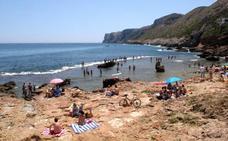 Bañistas de Dénia denuncian la falta de balizamiento en la playa de Les Rotes