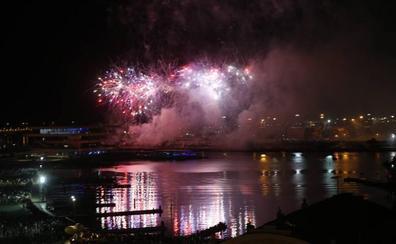 Ricardo Caballer se despide de los valencianos iluminando el cielo de La Marina