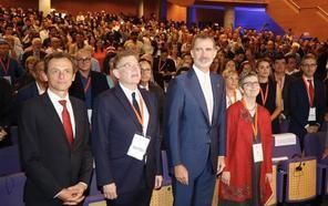 El Rey urge en Valencia a generar y retener el talento en ciencia y tecnología