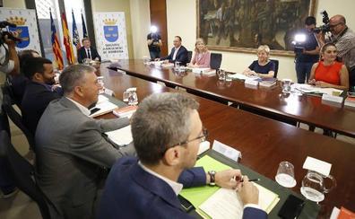 El Consell relaja la agenda política y dedica su primer mes a nombrar altos cargos