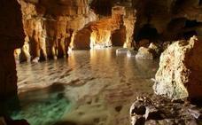 La Cova Tallada supera las 5.200 visitas en el primer mes del acceso con reserva