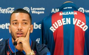 «El Levante me da la oportunidad que no he tenido en el Valencia»