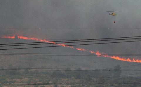 84 personas desalojadas aún por el incendio de Beneixama