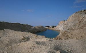 Un lago de aguas cristalinas perfecto para los selfis pero muy peligroso para la salud
