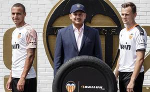 El Valencia presenta a la empresa china 'Sailun' como nuevo patrocinador