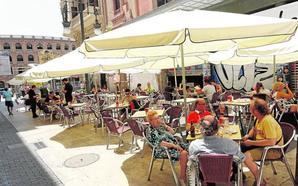 UGT y CC OO convocan huelga en la hostelería y el sector avisa que «no se lo puede permitir»