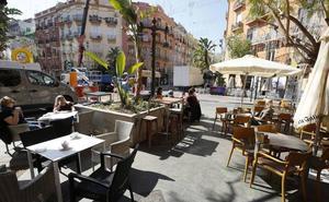CCOO y UGT convocan huelga en hostelería valenciana en plena temporada alta