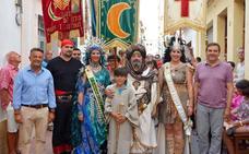 Moros y cristianos luchan por conquistar Xàbia
