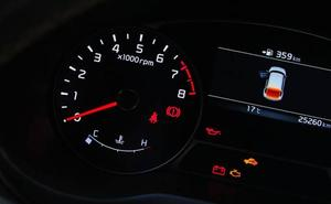 Los testigos luminosos del coche que alertan de un problema serio si se activan