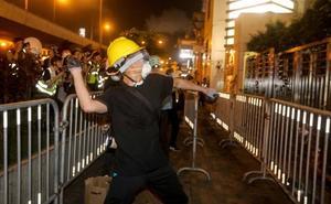 Batalla campal en el centro de Hong Kong