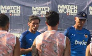 Marcelino ensaya con Gameiro y Maxi Gómez en punta