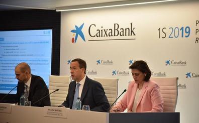 Caixabank se ofrece al Gobierno en funciones para colaborar en la estabilidad del país