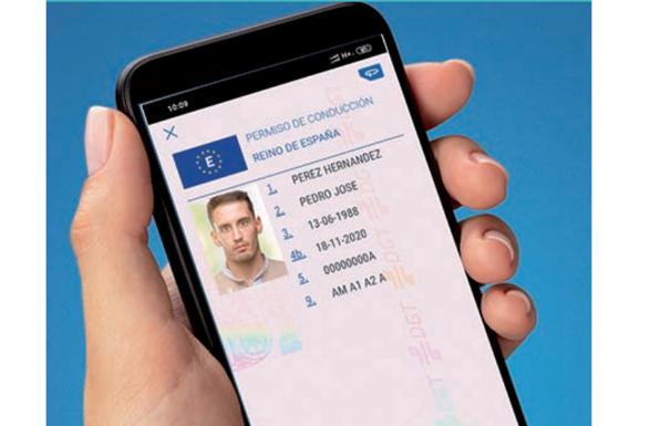Carnet de conducir en el móvil con la app de la DGT/