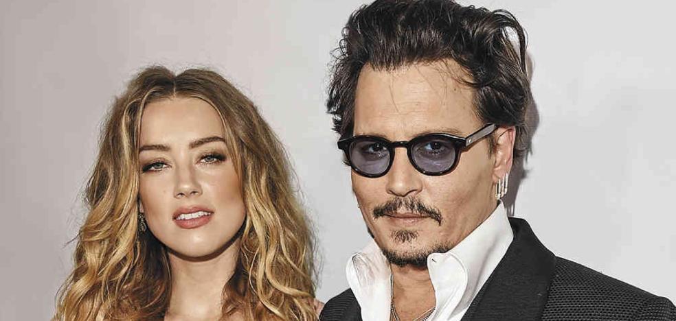 Johnny Depp dice que Amber le quemó con un cigarrillo