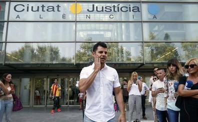 Fiscalía recurre la sentencia que reconoce al valenciano Javier Sánchez Santos como hijo de Julio Iglesias