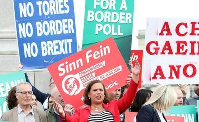 El Sinn Féin pide un referéndum de unificación irlandesa si hay un 'brexit' salvaje