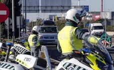 La Guardia Civil intercepta a un camionero de Alicante que circulaba en zigzag, en sentido contrario y sextuplicaba la tasa de alcohol