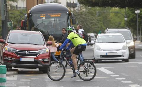 ¿Puedo subir con mi bicicleta al autobús de la EMT o al metro en Valencia?