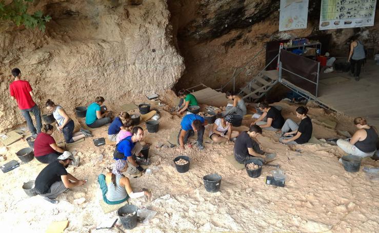 Cova de Bolomor en Tavernes de la Valldigna