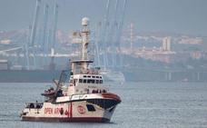 El 'Open Arms' desafía a Italia y España y rescata a otros 39 migrantes
