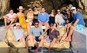 Bezos y otros magnates navegan por las Baleares en el megayate de David Geffen
