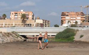 El emisario de Vera sufre una rotura anterior al cierre de las playas por los vertidos fecales