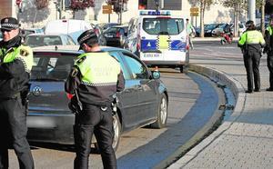 Medio centenar de municipios de la Comunitat Valenciana intentan frenar la pérdida de policías locales