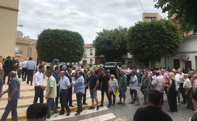 Massanassa despide a Vicent Pastor con un entierro multitudinario