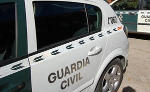 Cinco detenidos en la Comunitat por robar con violencia más de 100.000 euros, joyas y un coche que estrellaron en su huida