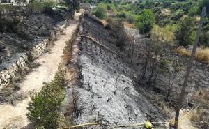 Vecinos del Pantano de Torrent piden que se limpie el cauce del barranco de Horteta