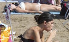 Bañistas en las playas valencianas