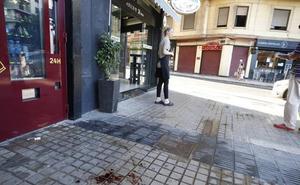Acuchilla a un viandante en el cuello sin mediar palabra en el centro de Valencia