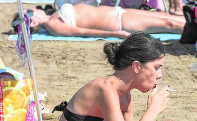 Los valencianos piden unas playas sin humos